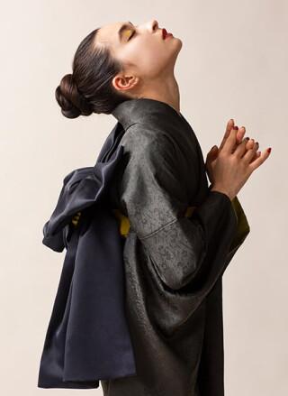 オリジナル振袖墨鶯の衣装画像2