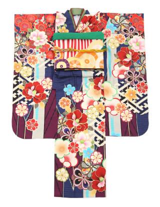 平祐奈×青×華やか振袖の衣装画像1