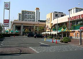 ヨシヅヤ 師勝店の店舗画像1