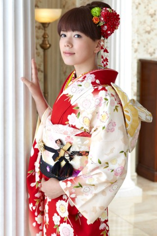 舞妓さん♪レトロクラシックな枝垂れ桜柄振袖【MK-2609】の衣装画像1