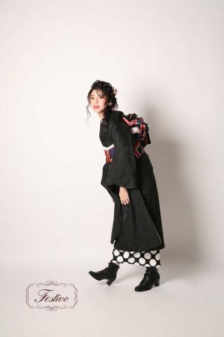 Black POPの衣装画像3
