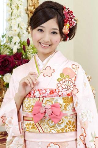 ピンク地がふんわり可憐な桜の花柄振袖 【MKK-28007】の衣装画像1