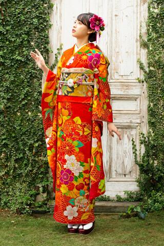 鮮やかなオレンジ色の豪華和花柄振袖【MK-1202】
