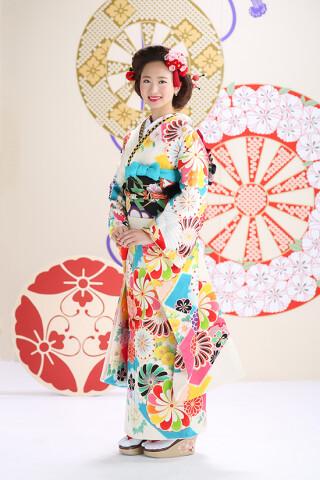 ◆花柄振袖-白-◆の衣装画像2