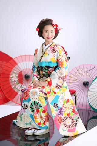 ◆花柄振袖-白-◆の衣装画像3