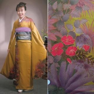 2015年成人式振袖レンタル 商品番号215 金茶花柄 29,800円の衣装画像1