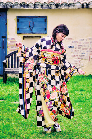レトロ市松の衣装画像2