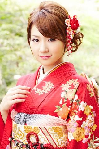 紅色が気品あふれる花丸文柄振袖 【No.MKK-28018】の衣装画像2