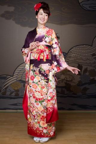 彩り豊かな染めに豪華な花柄振袖 【MKK-28010】の衣装画像1