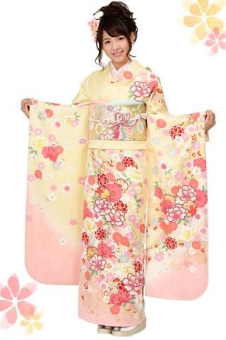 クリームイエロー×ピンクグラデーションの花柄振袖 【MKK-28006】の衣装画像2