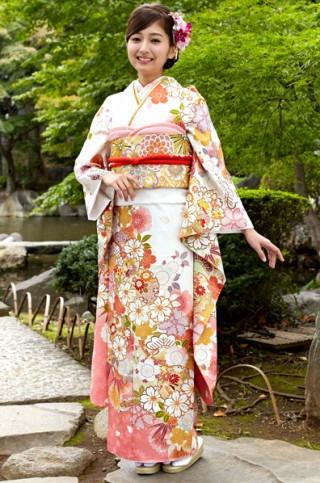 白地に桜と雪輪柄振袖【MKK-2903】