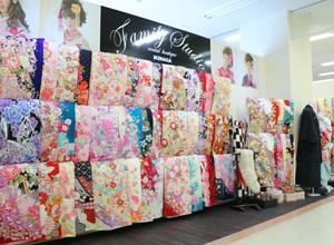 ファミリースタジオ ゆめタウン行橋店の店舗画像1