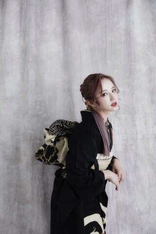 """なぎさちゃん着用""""黒に赤花""""の衣装画像2"""