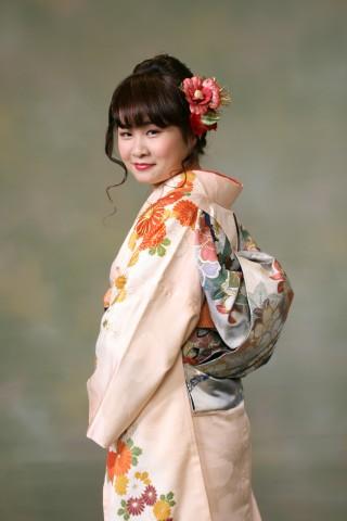 花柄振袖の衣装画像2