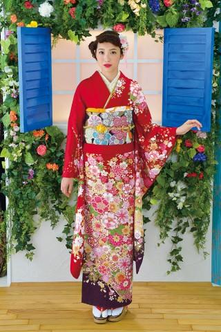 古典柄が際立つ華やかな赤地の古典柄振袖【Shine 117】の衣装画像1