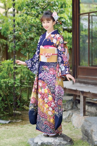 流れるような桜模様と濃紺のバランスが上品な雰囲気に【Karen-2806】の衣装画像1