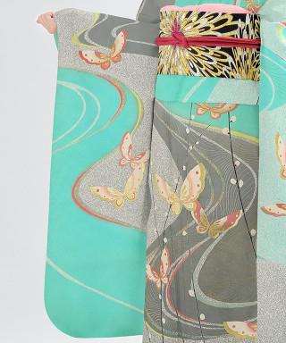 ブルー地にグレー流水蝶文様の衣装画像3