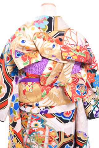 アンティーク振袖レンタル【古典アイボリー】の衣装画像3