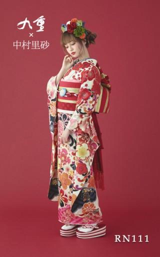 中村里砂の衣装画像1