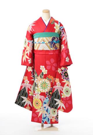 日本の伝統を感じる赤の振袖