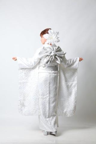 スワロフスキー8,000の衣装画像3