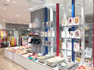 ぷりずむ館 キテミテマツド店の店舗画像5