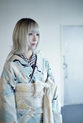 鶴柄の椎名林檎風振袖の衣装画像2